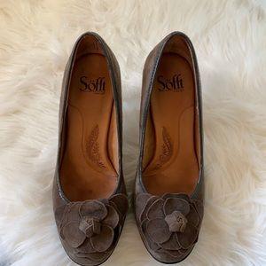 Sofft Brown rose suede heels